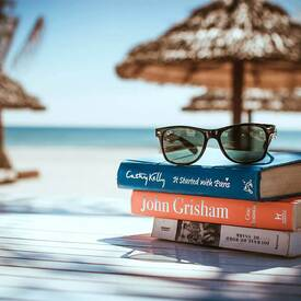 vacation in the sea with books living pure natural
